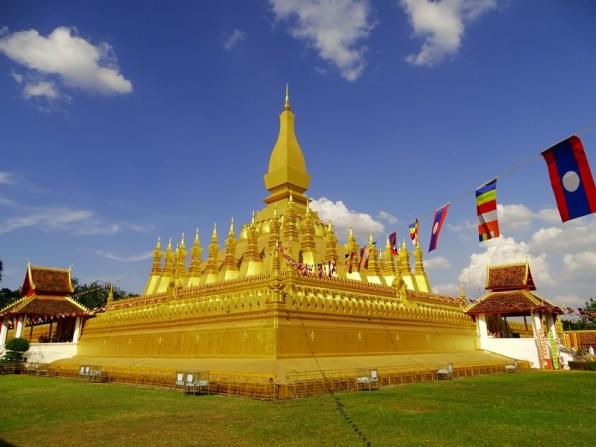 le Pha That Luang, avec son stupa doré That Luang emblématique du Laos