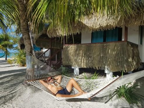 Hamac sur la plage à Tikehau - Polynésie française