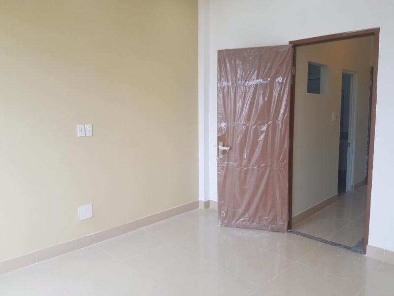 Tầng 1 thiết kế 2 phòng ngủ rộng và 1 WC ở giữa