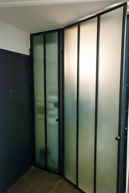 Portes et hotte en mtal et verre dpoli  Les Ateliers du 4