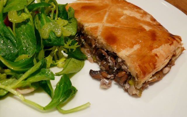 mushroom and farro pie