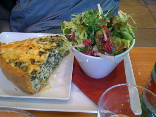 spinach & smoked salmon quiche