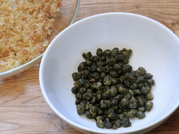 fried breadcrumbs and capers