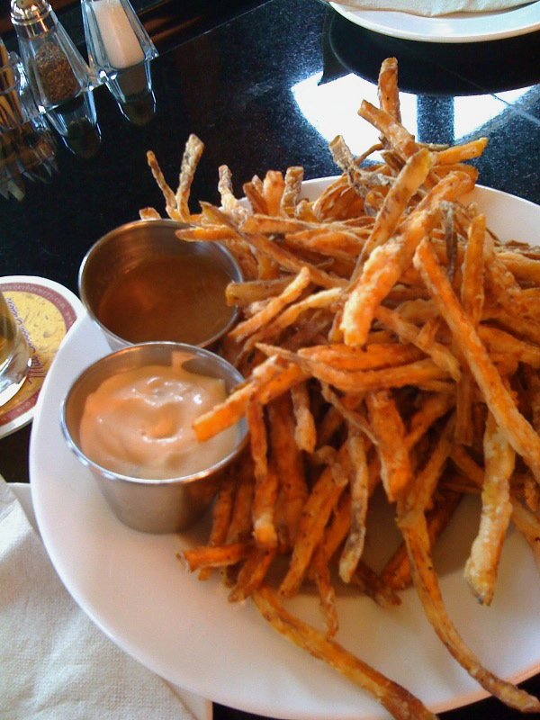 gladstone's sweet potato fries