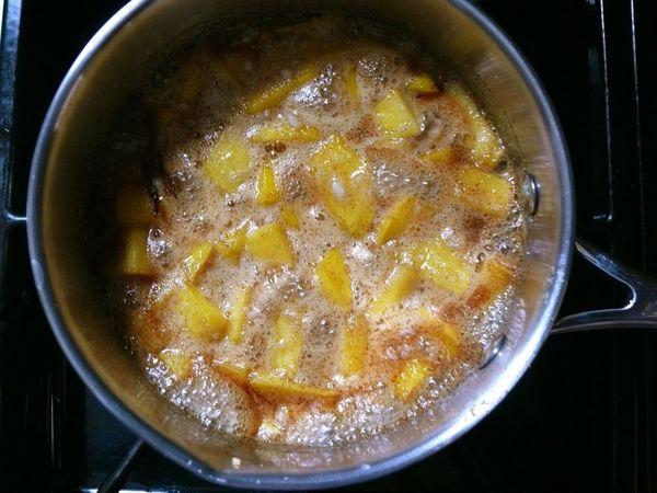 chutney simmering