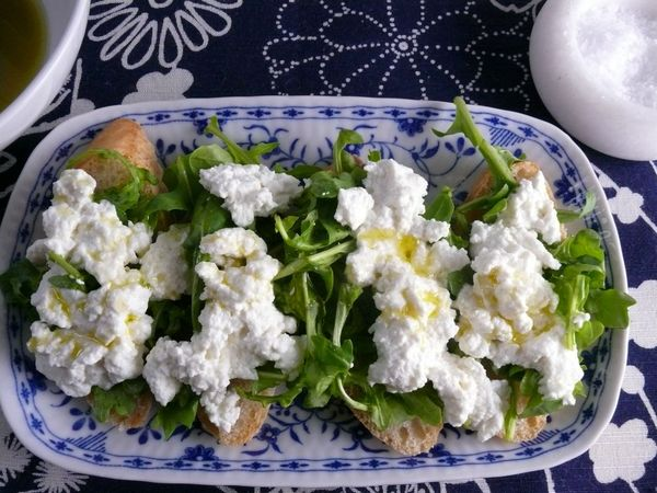 baguette with arugula, ricotta, olive oil Maldon salt