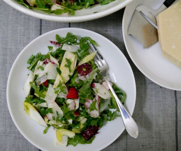 the serious(ly crunchy, tart and slightly bitter) salad