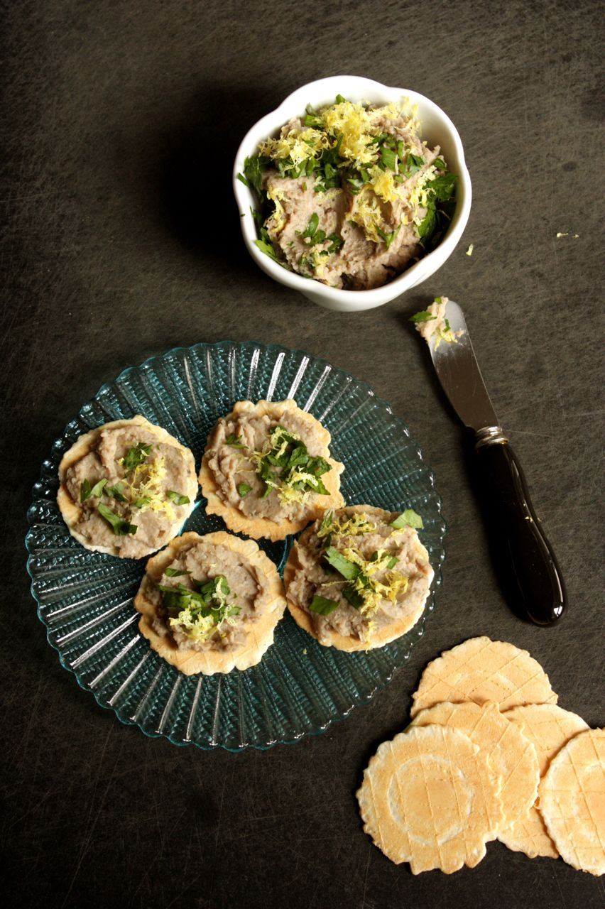 mushroom and white bean pate
