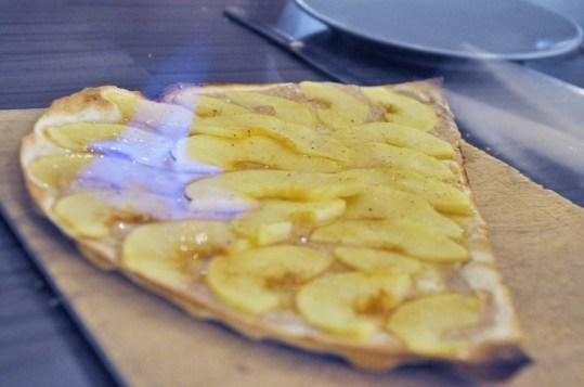 la tarte flambée aux pommes vraiment flambée!