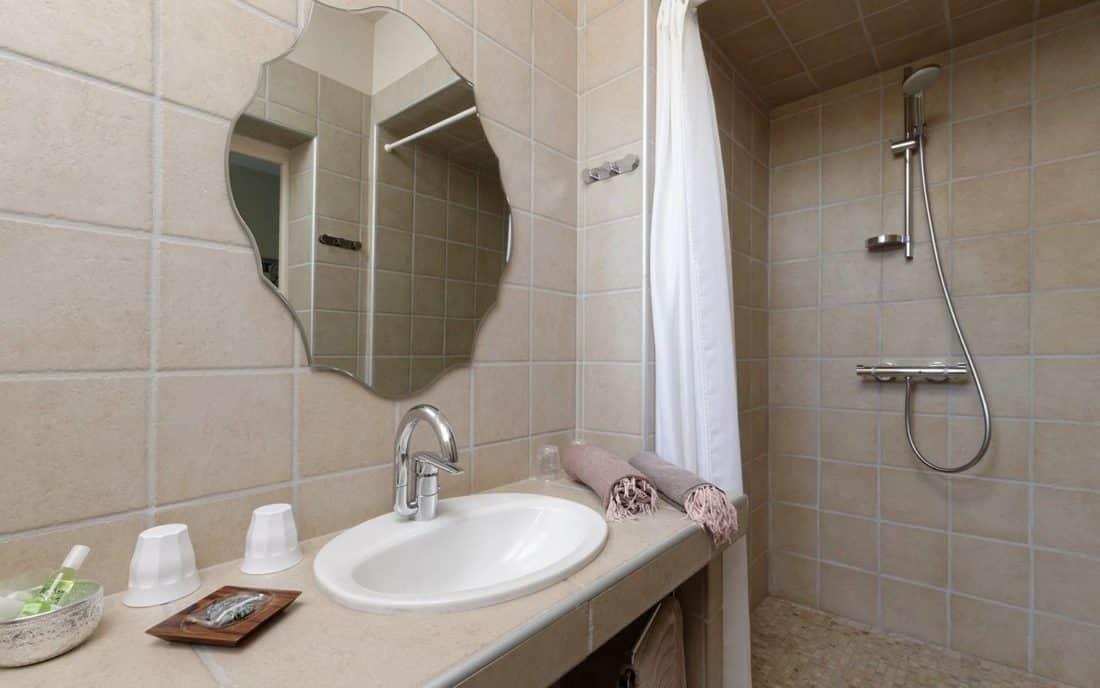 de bain avec carrelage beige