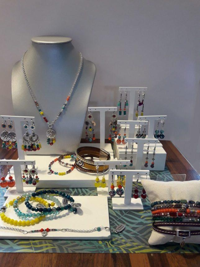 Collection de bijoux, Collier, Boucles d'oreilles, bracelets Ottawa