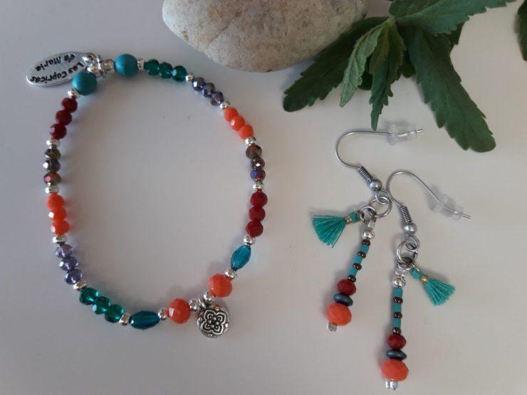 Boucles d'oreilles et bracelet perles fines multicolores