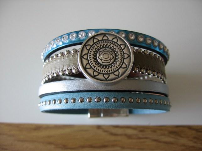 Bracelet Manchette fermoir aimanté en cuir Italien Bleu
