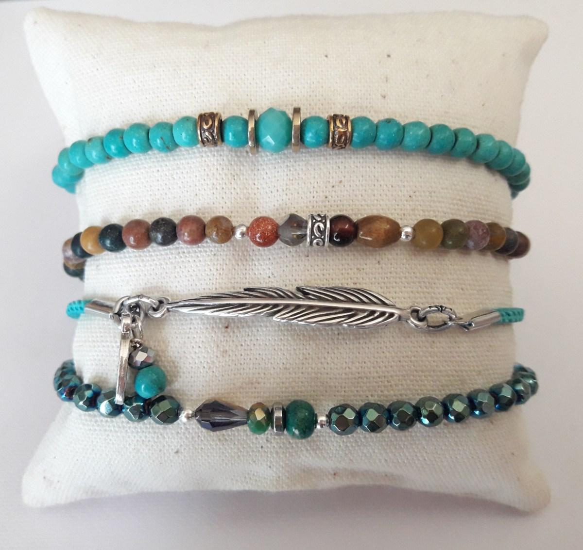 Ensemble bracelet pierre, galon et perles hématite scarabé
