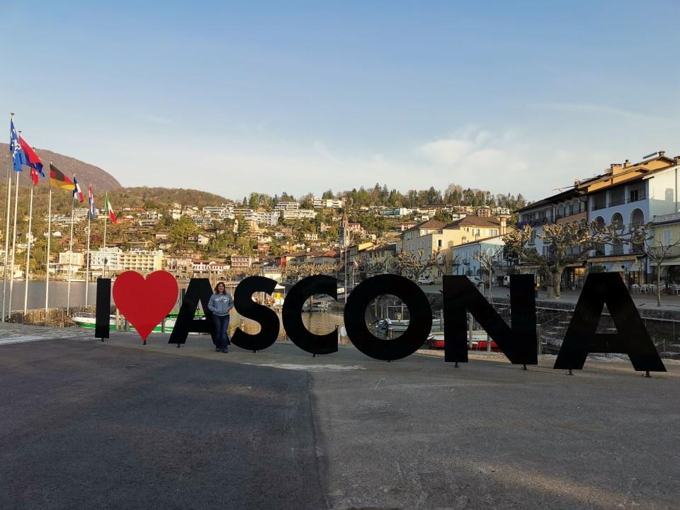 Week-end de trois jours dans le Tessin entre soleil, montagnes et lac Majeur. Visite d'Ascona, Locarno et Lugano. Mais aussi la vallée de la Verzasca.
