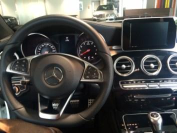 Mercedes Classe C180 Coupé blanche - intérieur