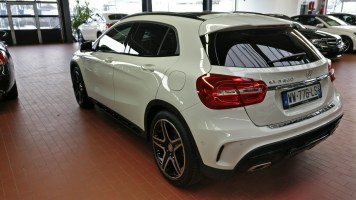 Mercedes-Benz GLA 200 2
