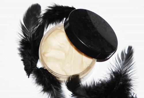 masque l 39 huile de coco pour r parer ses pointes. Black Bedroom Furniture Sets. Home Design Ideas