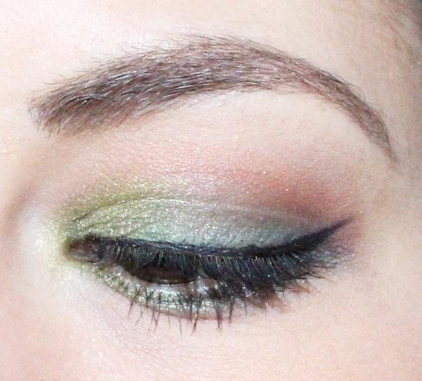maquillage vert sapin msc