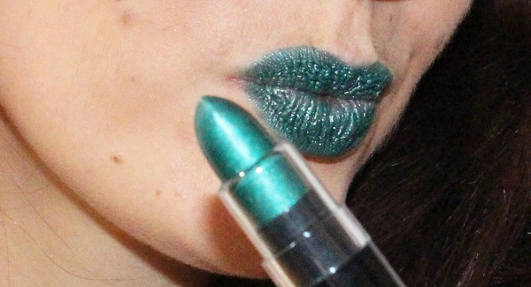 nyx rouge a levres mettallise vert