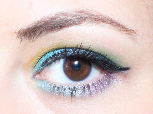 maquillage bleu azur