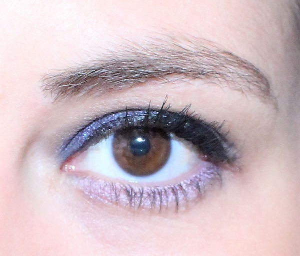 maquillage mauve anthracite