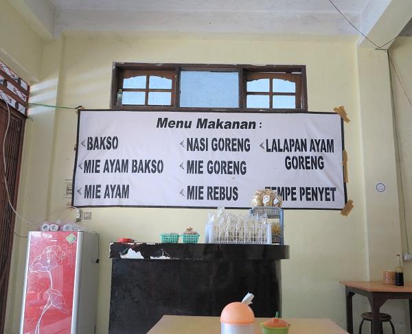 mengwi manger sur le marché bali