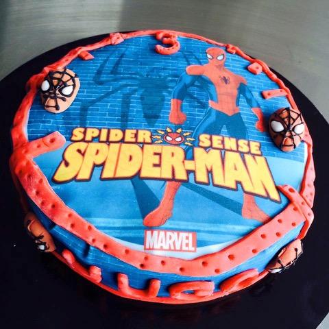 Spiderman Torte Cake Design Pate A Sucre Les Delices De Mary