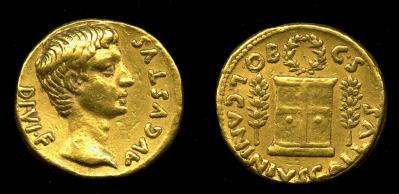 Read more about the article 2157AU – Aureus Auguste – C. Caninius Gallus