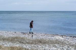 Steine sammeln am Strand