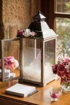 mariage-decoration-fushia-vignes-fleurs-miroir-les-embellies-d-amelie-domaine-de-la-ruisseliere-cecile-creiche05