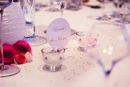 mariage-decoration-vase-tube-fleur-moderne-bougies-les-embellies-d-amelie-chateau-de-pizay-loovera-photographie10