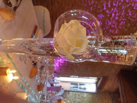mariage-decoration-vase-tube-or-gypso-moderne-bougies-les-embellies-d-amelie-domaine-de-la-ruisseliere10