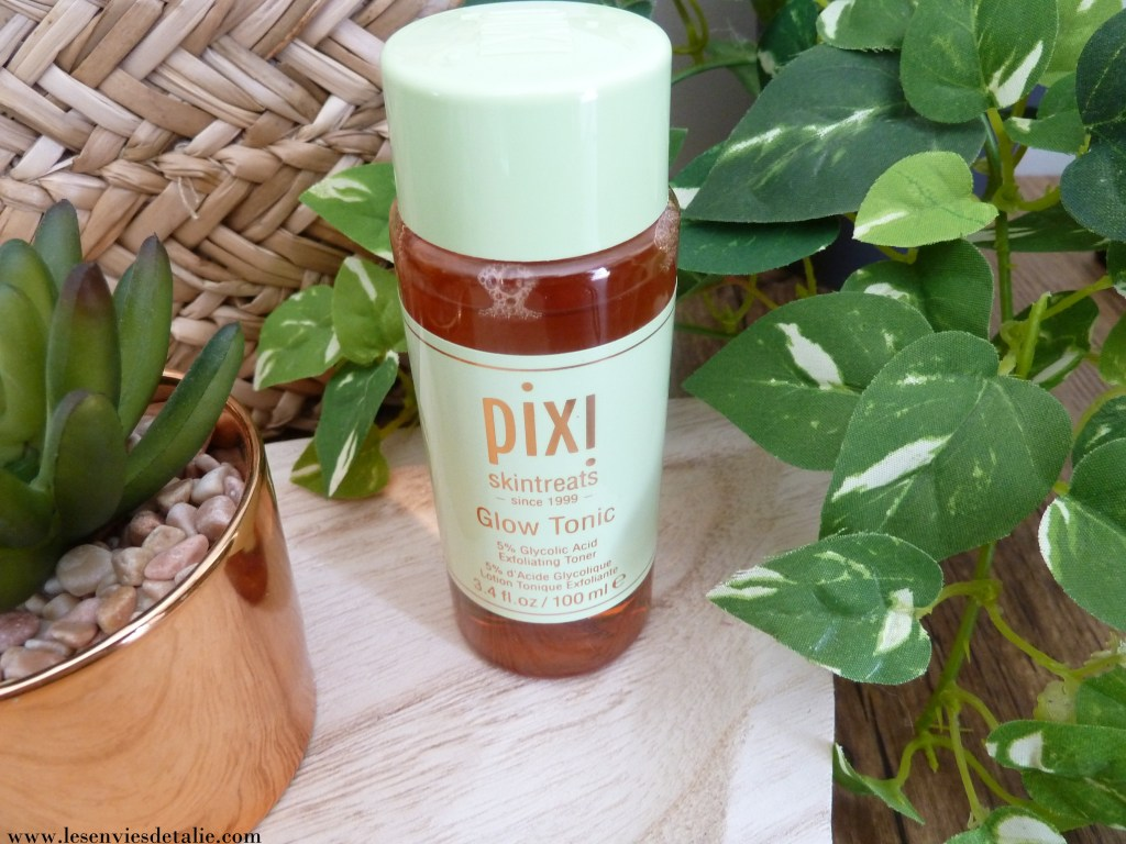 Le flacon de la Lotion Glow Tonic  Pixi Beauty