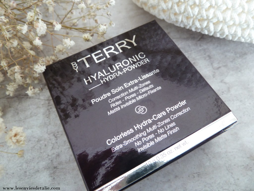 Etui de la poudre Hyaluronic Hydra-Powder By Terry