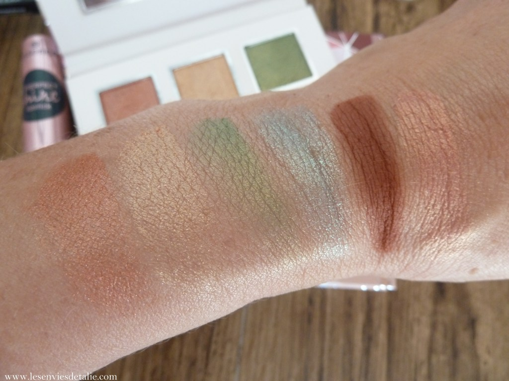 Swatches de la Palette fards à paupières Crystal power