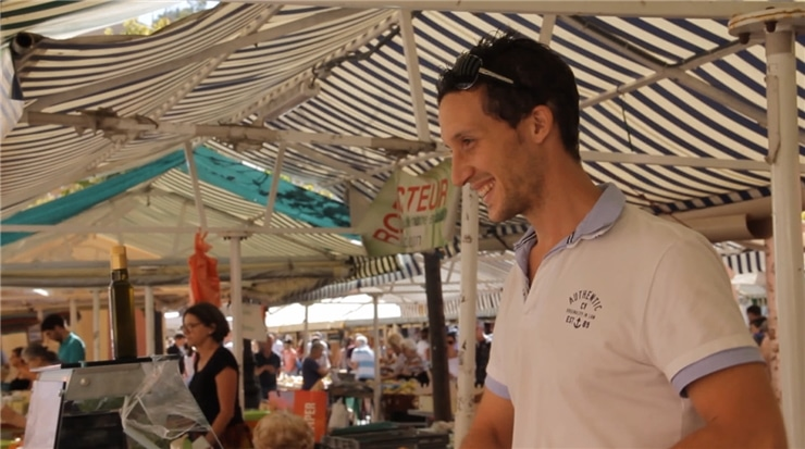 Fabio Merra de La Casa Della Burrata au marché