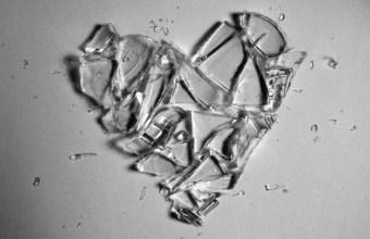 Amori Sfigati, classifica: 10 canzoni per deprimersi