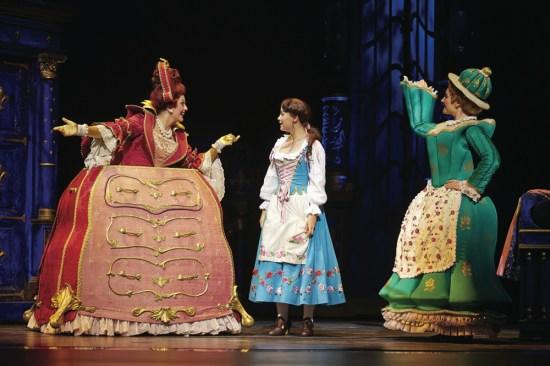 Mme Grande Bouche, Belle & Mme Samovar