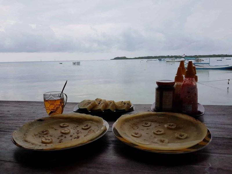petit déjeuner sur l'île de Karimunjawa, Indonésie