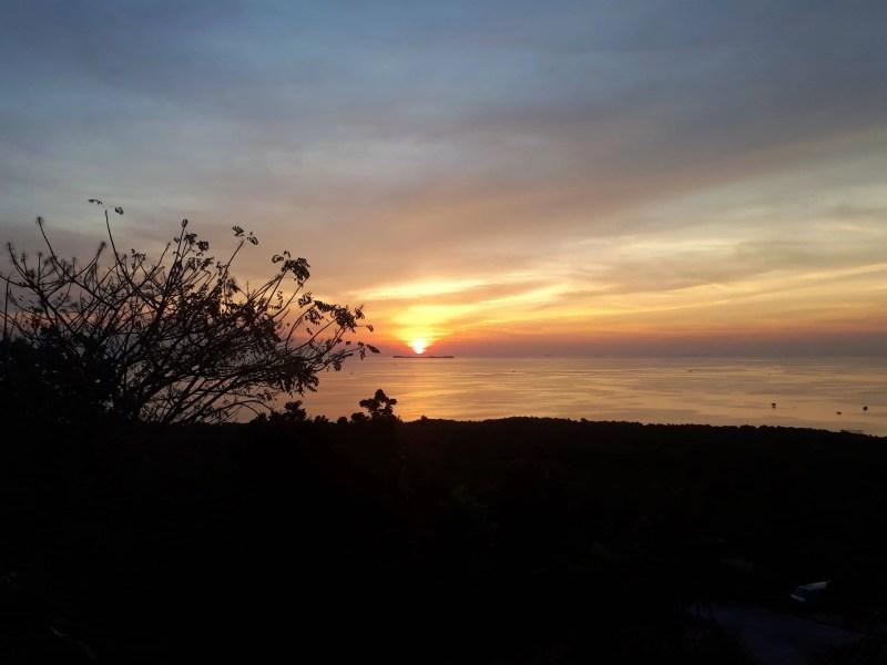 coucher du soleil à Karimunjawa, Indonésie