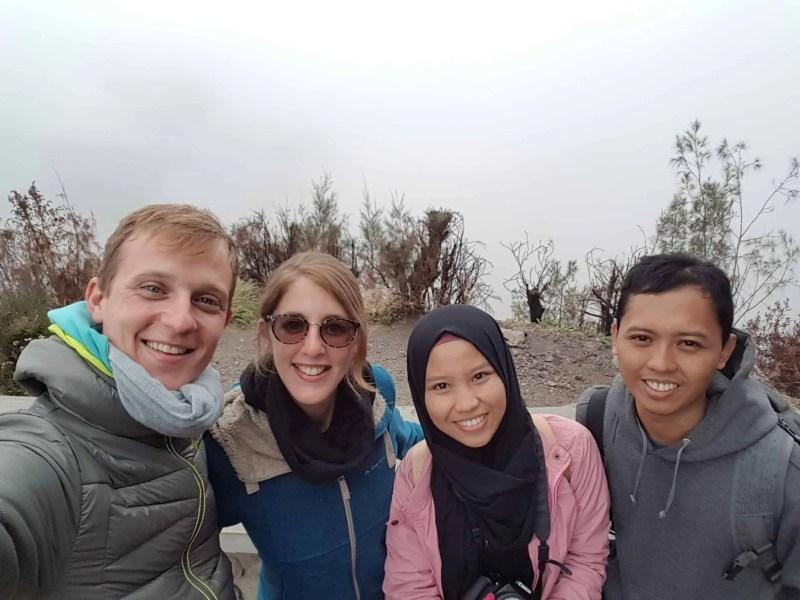 Les Heureux Voyageurs rencontrent des Indonésiens adorables, Indonésie