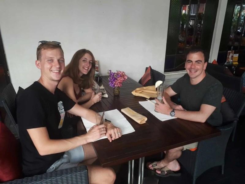 Thaïlande, Lilie se transforme en blonde platine 🐥 1