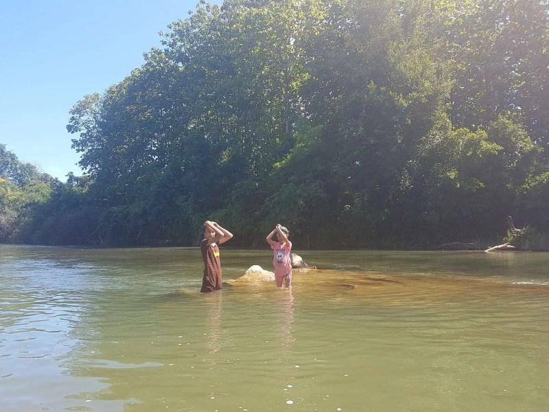 Laos, quand tu te prends pour Pocahontas sur un canoë à Vang Vieng 🛶 21