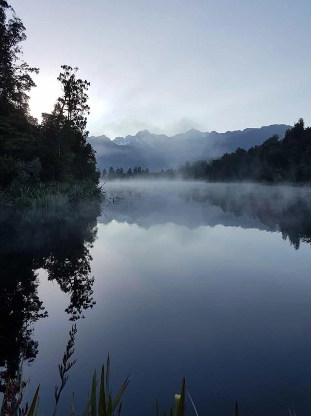 Nouvelle-Zélande, un levé de soleil féerique sur le lac Matheson ☀️ 10