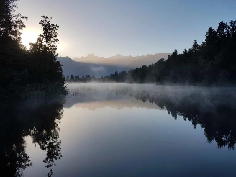 Nouvelle-Zélande, un levé de soleil féerique sur le lac Matheson ☀️ 11