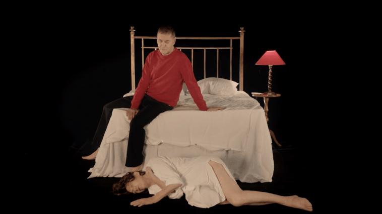 """Jane Birkin et Etienne Daho sont en froid dans le clip dominical de """"Oh! Pardon tu dormais…"""""""