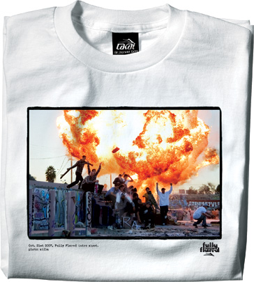 https://i0.wp.com/www.lesitedelasneaker.com/wp-content/gallery/aout/lakai-fully-flared-intro-tee-2.jpg
