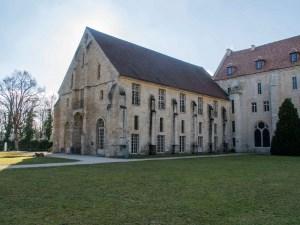 Abbaye-de-Royaumont-batiment-des-moines-1
