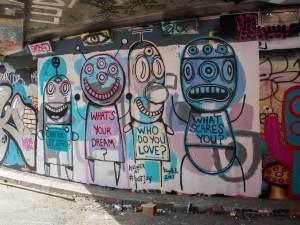Street-art-Londres-Leake-street-tunnel-Gary-Hirsch-Botjoy-2